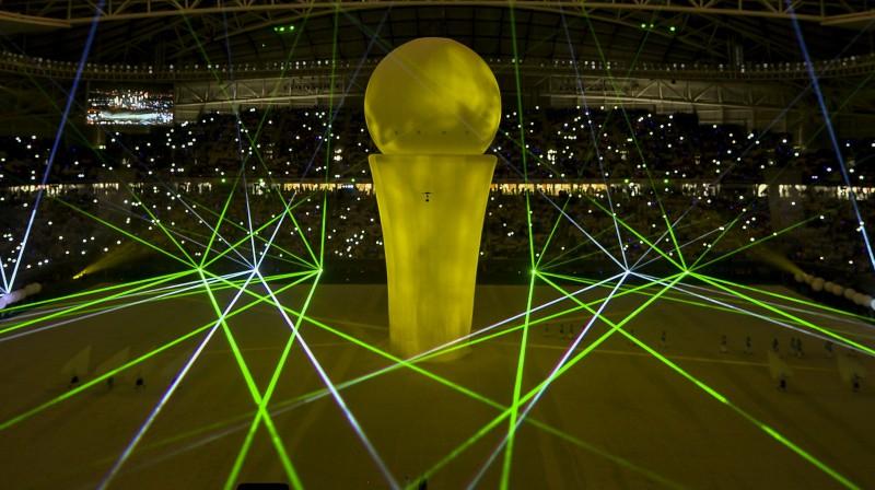 Projicēta Pasaules kausa balva stadiona Dohā atklāšanas ceremonijā. Foto: zumapress.com/Scanpix