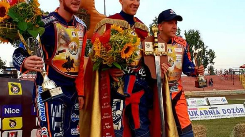 Pjedestāls Gņezno (no labās) - Andžejs Ļebedevs, Pšemislavs Pavļickis un Kacpers Gomuļskis.