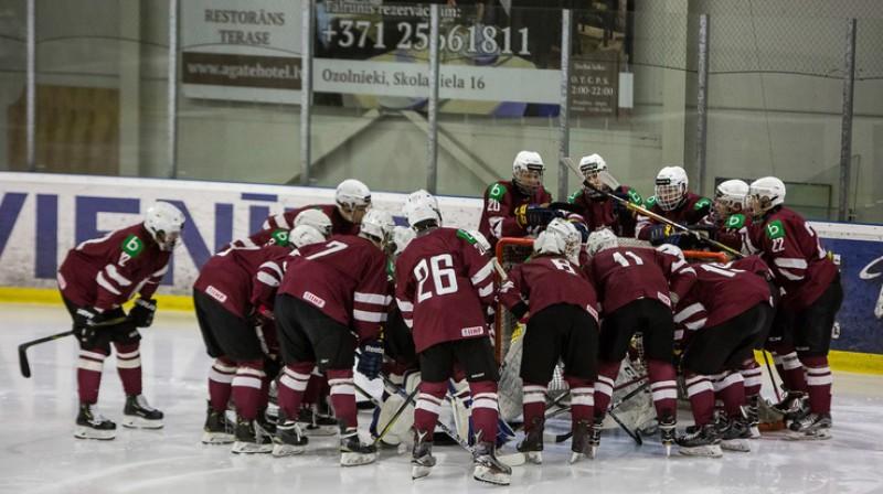 Latvijas U18 hokeja izlase. Foto: LHF