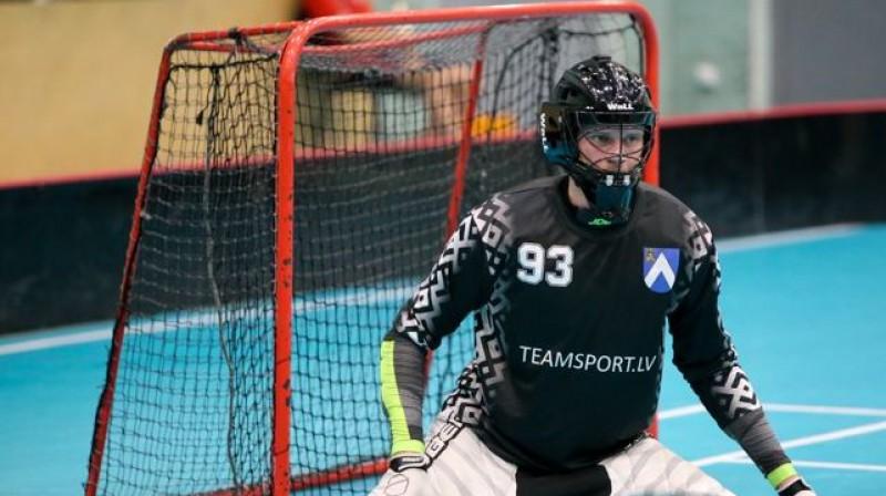 Jānis Goža Irlavas komandā debitējis ar sauso maču Foto: Floorball.lv