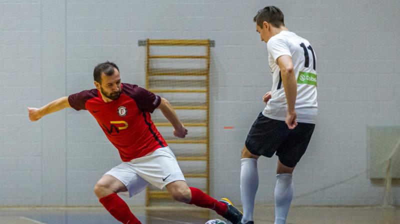 Alberts Mhitarjans (nr. 11). Foto: futsal.lv/FC Petrow