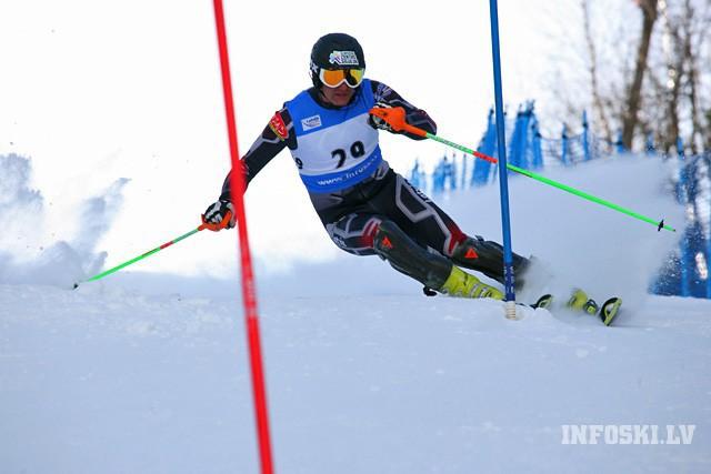 Zvejniekam 3.vieta un Gasūnai 4.vieta FIS sacensībās kalnu slēpošanā