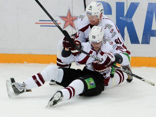 """Indraša un Sedlāčeka varoņdarbi sagādā """"Dinamo"""" punktu"""