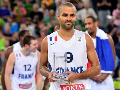 Pārkers pārliecinoši atzīts par Eiropas gada labāko basketbolistu