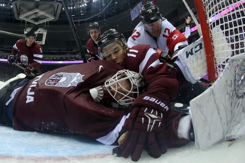"""Gudļevskis gandrīz salauž Kanādas sirdi"": Amerikas prese slavē Latviju"