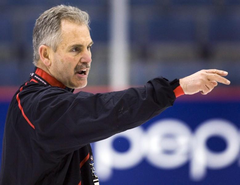 """Dežardēns apstiprināts par """"Canucks"""" galveno treneri"""