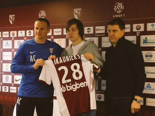 """Jānis Ikaunieks debitē, """"Metz"""" tikai pagarinājumā uzvar 3. līgas klubu"""