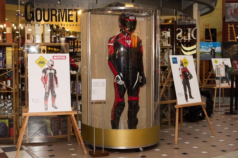 Pirmo reizi Rīgā atklāta izstāde, kas apvieno motociklus un mākslu