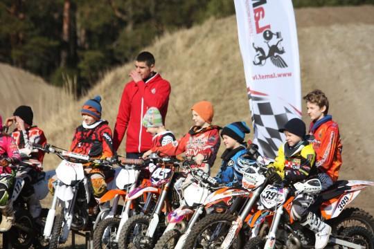 """""""Superkausā"""" startēs motokrosa meistaru Freiberga un Kozlovska dēli"""
