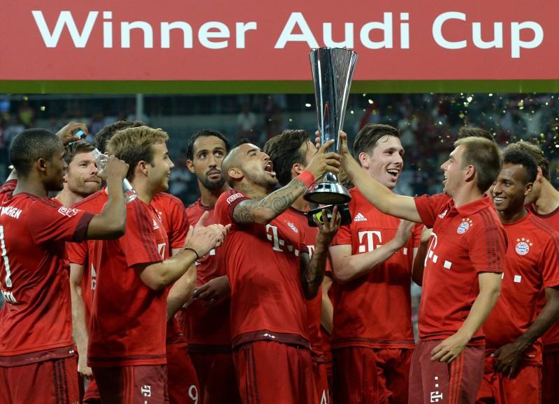 """Levandovska vārti nodrošina """"Bayern"""" uzvaru pār """"Real"""""""