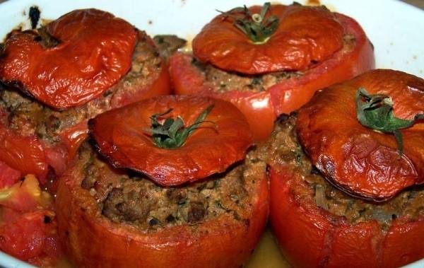 Pildīti tomāti ar malto gaļu