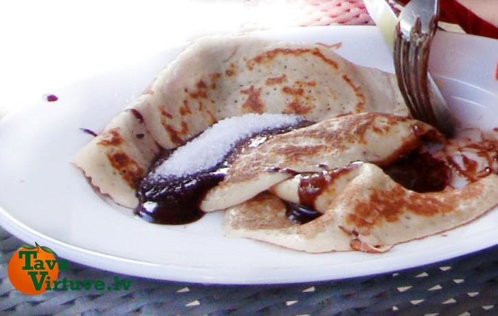 10 garšīgas pankūku receptes