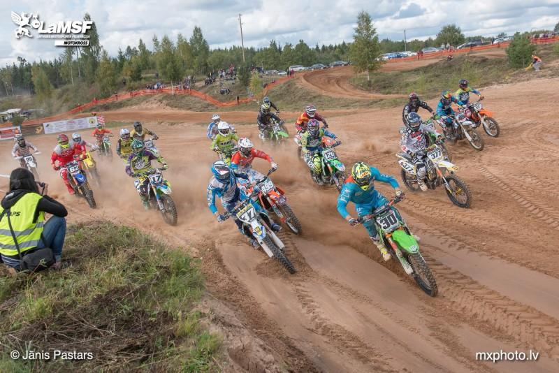 Pilsblīdenē aizvadīts pirmspēdējais Latvijas kausa posms motokrosā