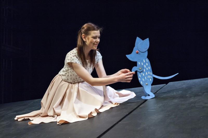 """Latvijas Leļļu teātrī pēdējo reizi izrāde """"Alise Brīnumzemē"""""""
