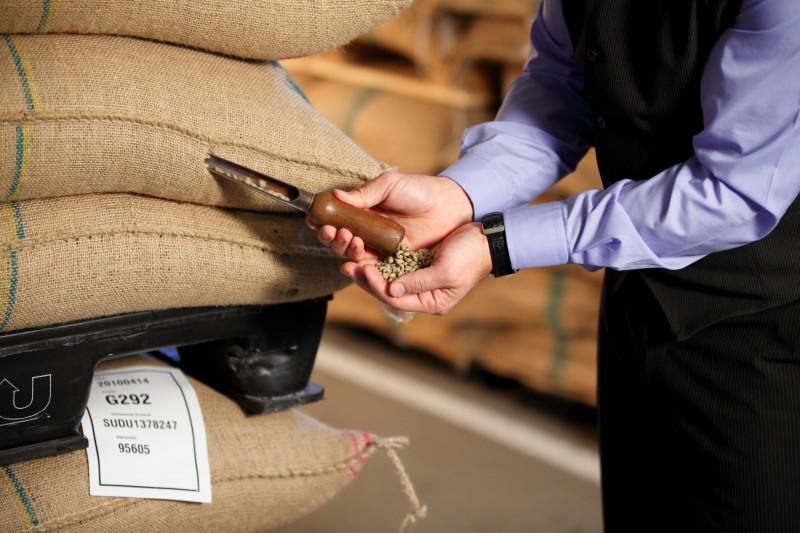 """Kafijas ražošanas uzņēmums Baltijā SIA """"Melnā Kafija"""" maina nosaukumu uz SIA """"Lofbergs Baltic"""""""
