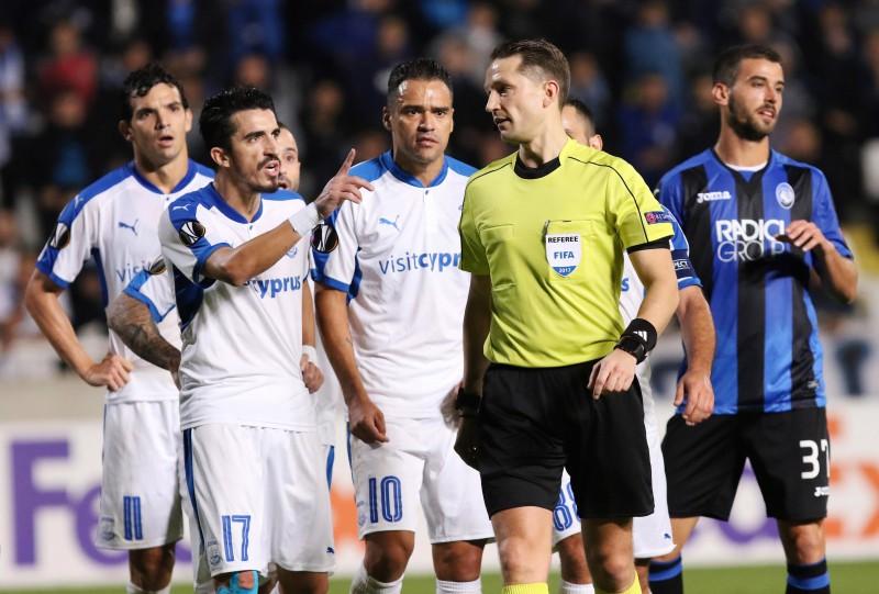 Latvijas tiesneši pirmoreiz tiesās UEFA Eiropas līgas izslēgšanas turnīra spēli