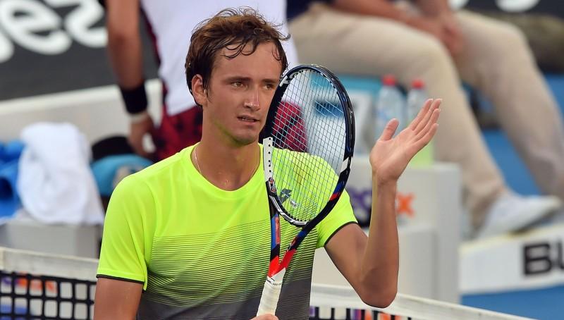 Bautista Aguts apspēlē Del Potro, Medvedevam pirmais ATP tituls