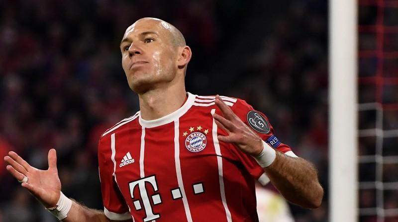 """Robenam lieliski vārti, """"Bayern"""" joprojām tikai uzvaras"""