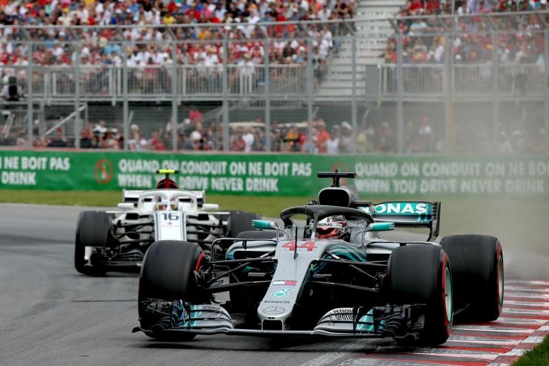 """Hamiltons: """"Gaidīju, ka mašīna var apstāties jebkurā aplī"""""""