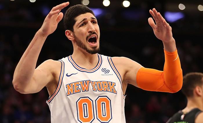 """""""Knicks"""" centrs Kanters uzprasās uz naudas sodu par smieklīgu tvītu"""