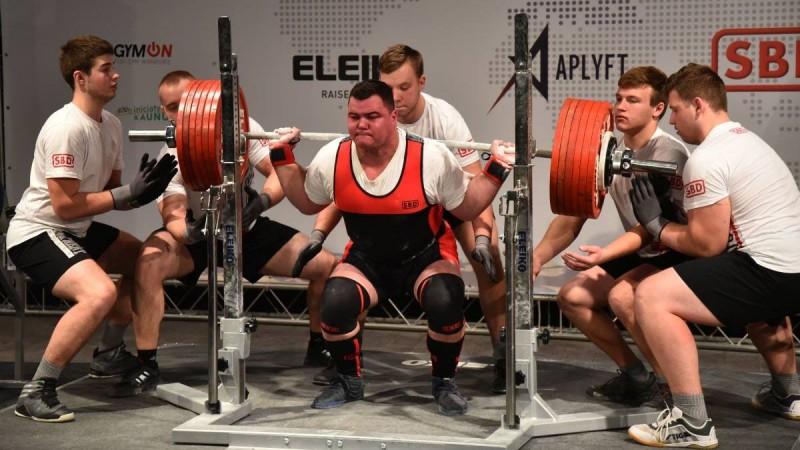 Latvijai divas medaļas Eiropas čempionātā klasiskajā spēka trīscīņā