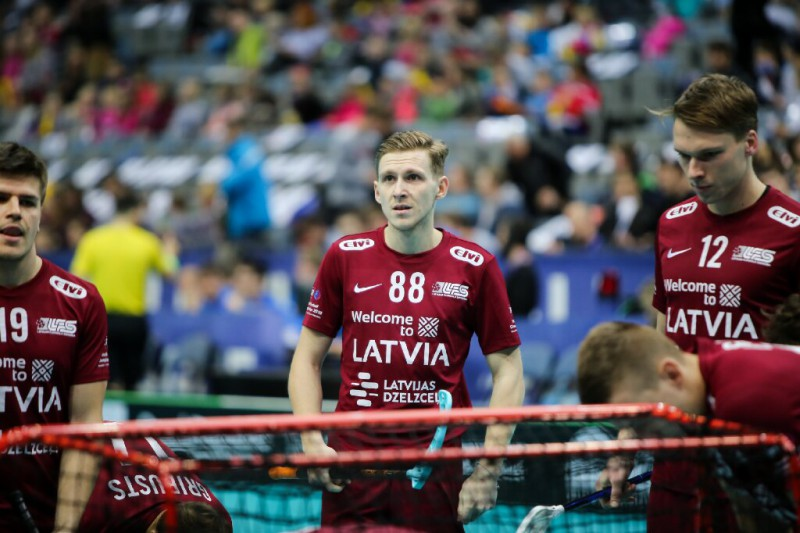 Latvijas vīriešu izlase pasaules čempionātā tiksies ar titulētajām Zviedriju un Somiju