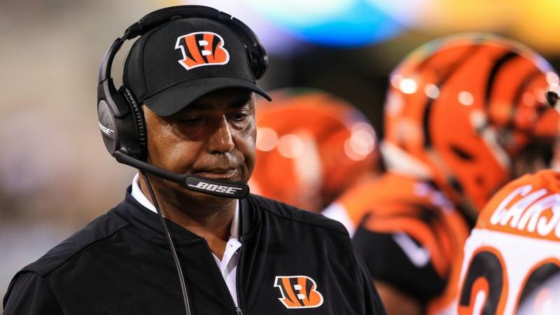 """""""Bengals"""" pēc 16 sezonām atlaiž Luisu, bez darba paliek arī citi treneri"""