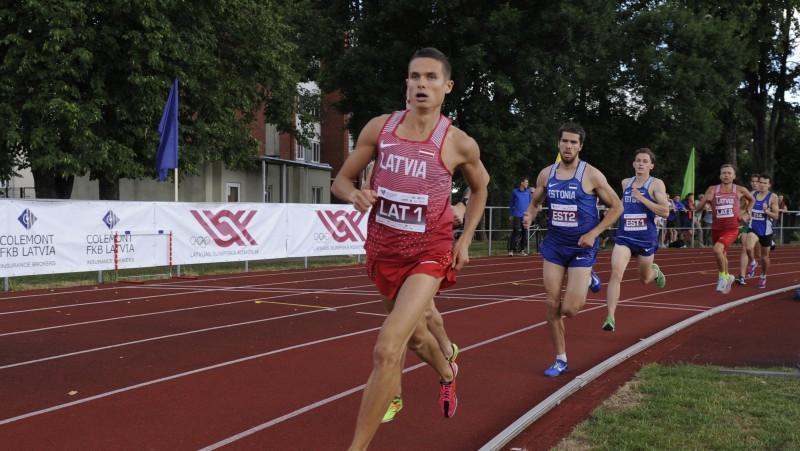 Serjoginam Spānijā līdz Latvijas rekordam piecu kilometru distancē pietrūkst vienas sekundes
