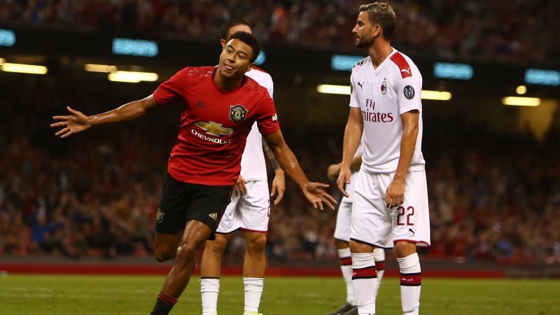 """""""United"""" atspēlējas un pendelēs pieveic """"AC Milan"""", """"Wolfsburg"""" grauj ar 8:1"""