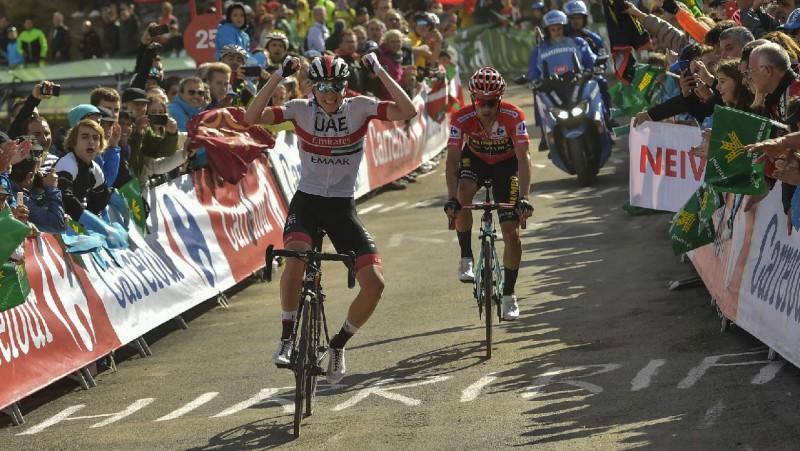 """""""Vuelta"""" slovēņu dienā uzvar Pogačars, Rogličs palielina pārsvaru kopvērtējumā"""
