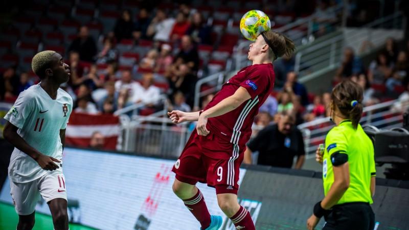 U19 puiši braši cīnās, tomēr atzīst Krievijas pārākumu