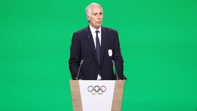"""Itālijas Olimpiskās komitejas prezidents: """"Tēlošana futbolā ir sliktāka par rasismu"""""""