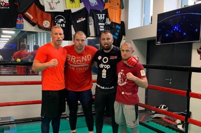 Kikbokseris Kristaps Zīle Dubajā aizvadīs MMA cīņu ar Aleksandru Veževatovu
