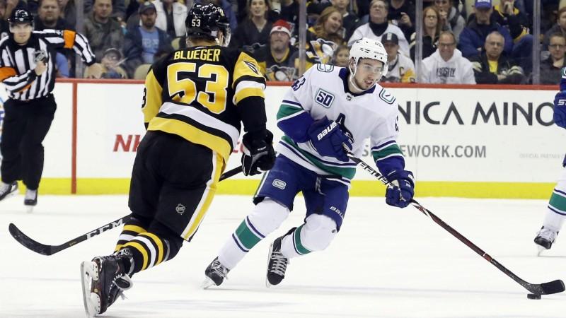 """Bļugers ar aktīvu spēli izkārto vārtu guvumu, """"Penguins"""" triumfē 14 vārtu drāmā"""