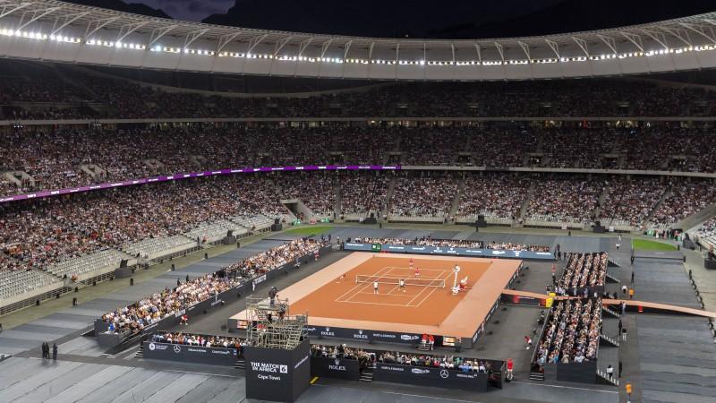 Federera labdarības pasākumā Keiptaunā labots tenisa mača apmeklētības rekords