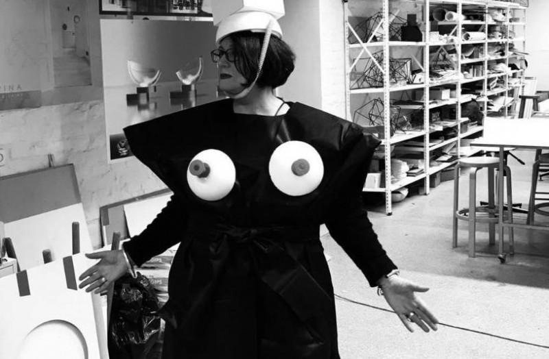 Mirusi stikla māksliniece, interjeriste Renāte Lorence
