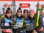 <b>Laura Dālmeiera</b> (pirmā no labās), #35  <br><br> Vācijas izlases treneru lēmums 4 x 6 kilometru stafetei pasaules čempionātā Nove Mesto (Čehija) pieteikt sacensību debitanti Lauru Dālmeieru, kura gan bija veiksmīgi startējusi pasaules čempionātā biatlonā juniorēm Obertilliahā (Austrija), tomēr šķita riskants. Risks šoreiz pilnībā attaisnojās. Dālmeiera teicami veica trešo posmu, neizmantoja nevienu rezerves patronu un stafeti Henkelei nodeva kā līdere (trešo posmu sāka kā astotā). Pasaules čempionātā stafetē Vācija gan ieņēma piekto vietu.  <br><br> Junioru ieskaitē Dālmeiera uzvarēja klasikā un sprintā, izcīnīja sudrabu iedzīšanā, kā arī Vācijas komandas sastāvā uzvarēja stafetē. <br><br> Pasaules kausa izcīņā Dālmeiera debitēja ar septīto vietu sprintā Holmenkollenā (Norvēģija). Dālmeiera startēja tikai pēdējos trīs posmos Holmenkollenā, Sočos un Hantimansijskā, taču izcīnīja augsto 35. vietu kopvērtējumā. Vai Dālmeiera, kura augustā sasniegs 20 gadu slieksni, ir nākamā Noinere? <br><br> Foto: ITAR-TASS