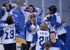 Aizraujošā cīņā par bronzu Somijas hokejistes pieveic krievietes