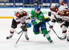 """Rīgas """"Dinamo"""" izrāpjas no bedres un izglābjas pēdējā minūtē, tiekot pie punkta"""