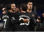 """Mančestras """"City"""" iesit trīs pret """"Everton"""" un uzvar 17. reizi pēc kārtas"""
