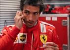 """""""Ferrari"""" jaunais pilots Sainss neatzīstas avārijas izraisīšanā"""