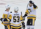 """Bļugers atgriežas ar rezultatīvu piespēli, """"Penguins"""" vēlreiz pārspēj """"Devils"""""""