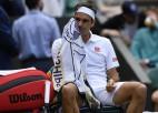 Federers Vimbldonā pirmoreiz setā zaudē ar 0:6, cieš sakāvi pret Hurkaču