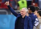 Pasaules čempione Francija pēc izstāšanās Eiropas astotdaļfinālā neatlaidīs treneri Dešānu