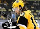 """""""Penguins"""" pirms paplašināšanās drafta aizmaina uzbrucēju, Eliss nonāk Filadelfijā"""