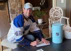 """Bakess paraksta simbolisku vienas dienas līgumu ar """"Blues"""" un noslēdz karjeru"""
