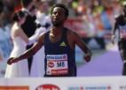 Vīnes maratona uzvarētājs Hurisa diskvalificēts neatbilstošu apavu dēļ