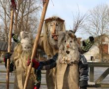 """Turaidas muzejrezervāts aicina uz brīvdabas izstādi """"Gadskārtu svētki – Meteņi – jauna gada sākums"""""""