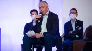 Jaunais IIHF prezidents liek pārskatīt Ķīnas izlases dalību olimpiskajās spēlēs