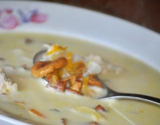 Gaileņu zupa ar vistu